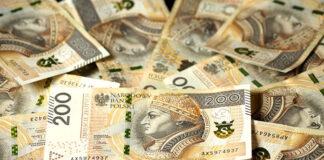Czy warto finansować urlop pożyczką lub kredytem